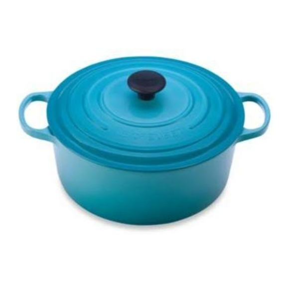 Le Creuset 5 1/2 quart dutch oven  Light Blue